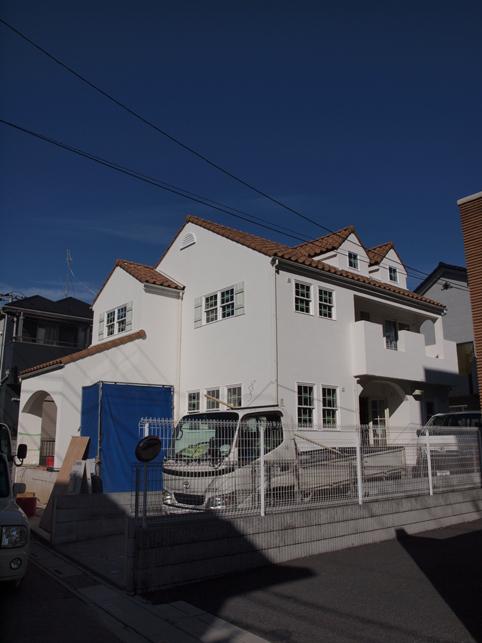 ナチュラルフレンチスタイルの家、もうすぐ完成☆