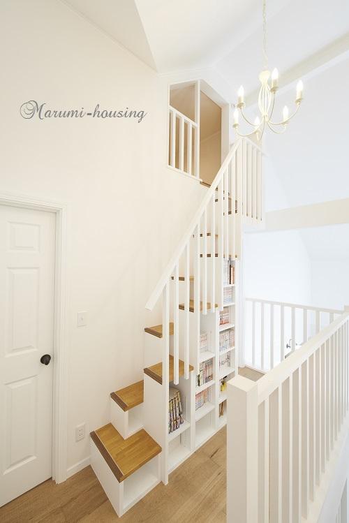ロフトの階段+本棚