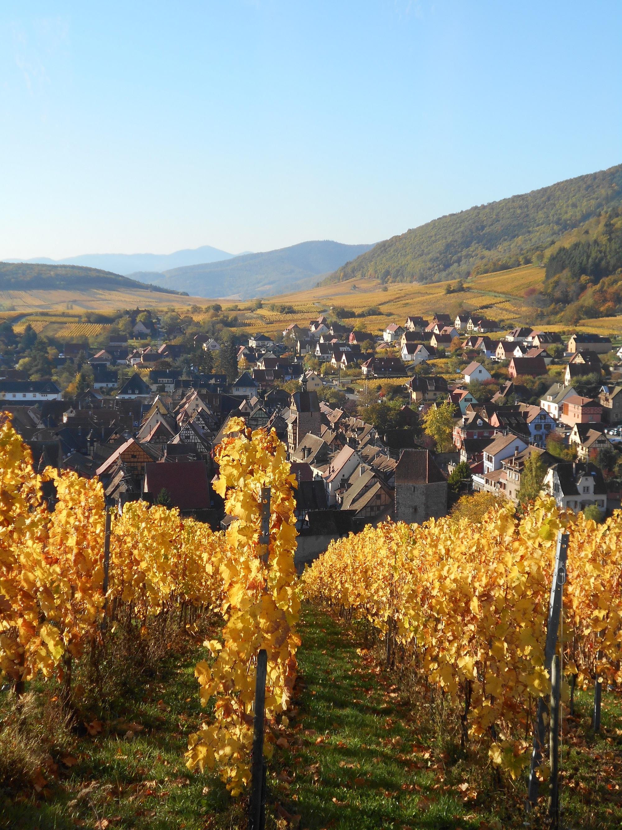フランスひとり旅の美しい村めぐり。